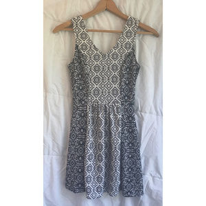 Patterned A-Line party dress with back cutout